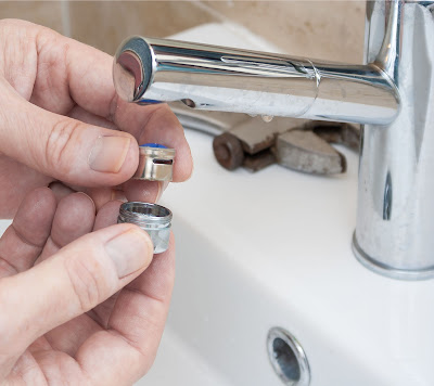 Chicago Faucet Shoppe: Tips Behind the Counter