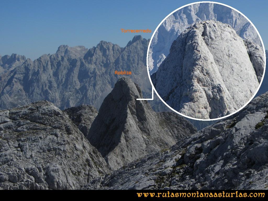 Ruta Ercina, Verdilluenga, Punta Gregoriana, Cabrones: Montañeros descendiendo La Robliza