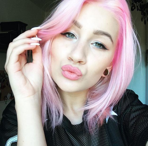 Agata Dziarmagowska Oficjalny Blog: Ankieta, różowe włosy ...