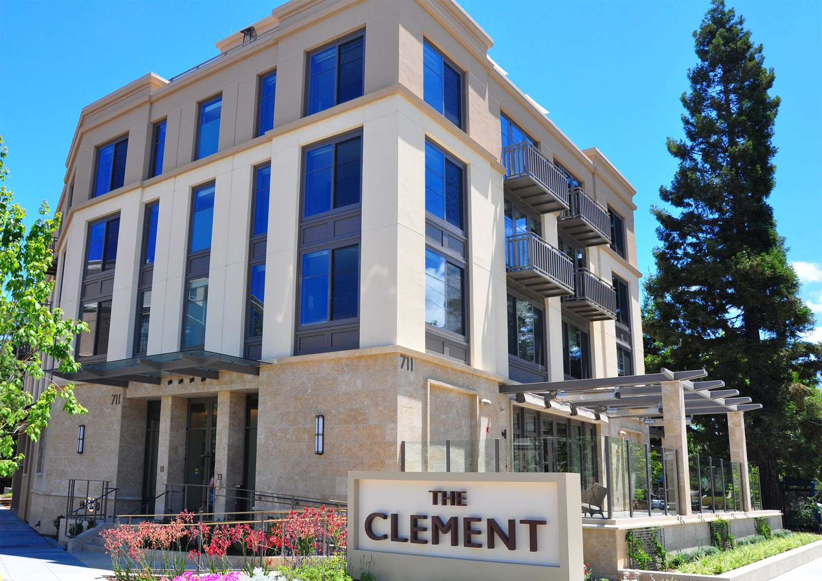 Combining Business And Pleasure While Staying In A Luxury Hotel Is Surely Good Thing But The Clement Also Great For Vacationers Who Are Seeking