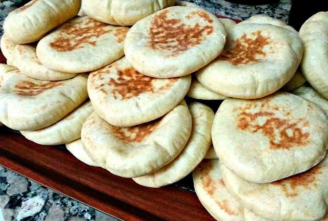 pain pita marocain (batbout)