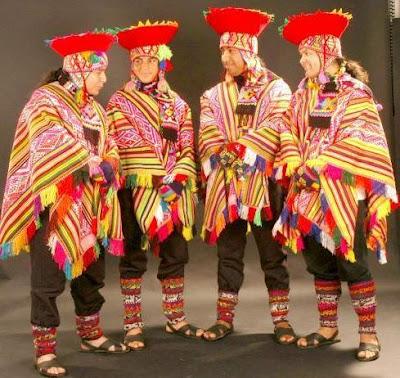 Foto de Alborada con traje típico de Cuzco