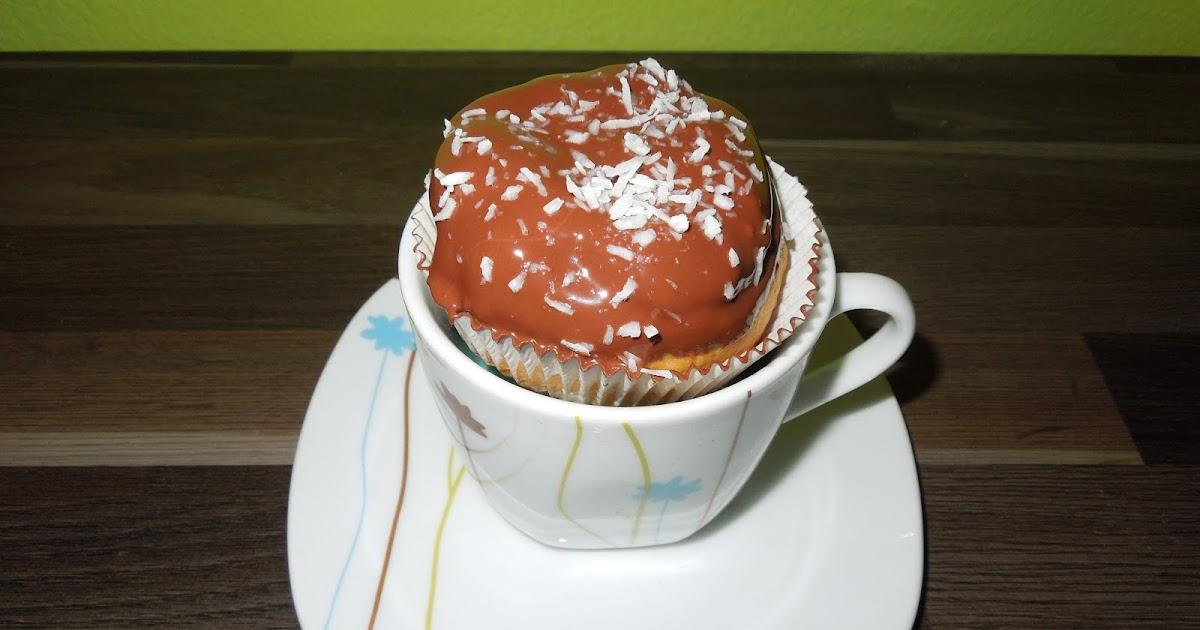 brandteig cupcakes mit schokohaube g teaux dans des tasses. Black Bedroom Furniture Sets. Home Design Ideas
