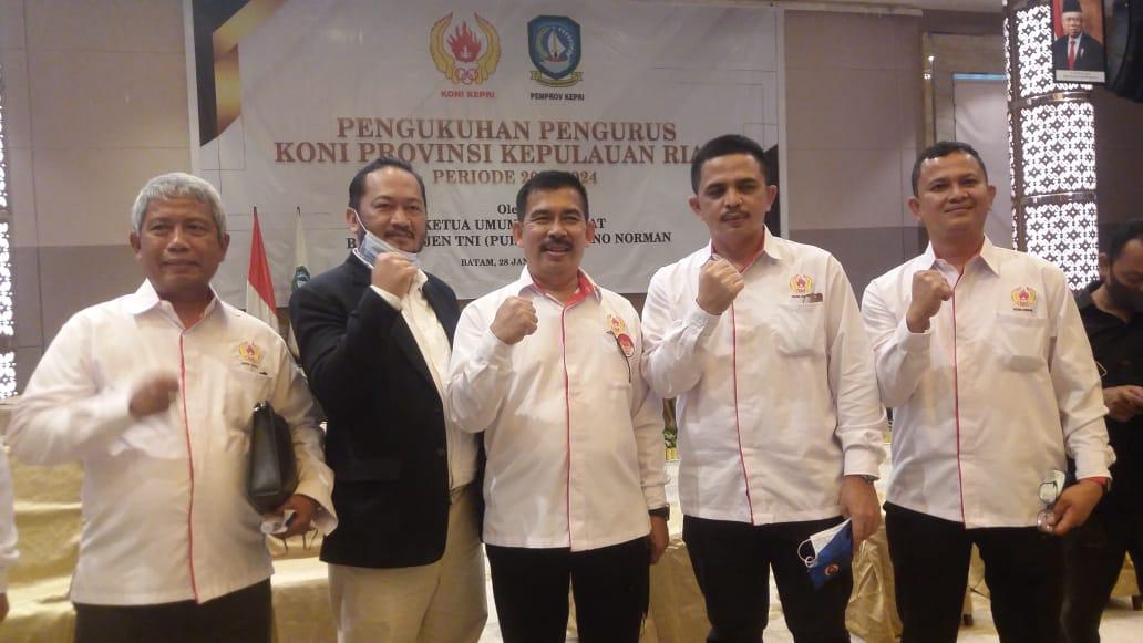 Letjen TNI (PURN) Marciano Norman Melantik Usep RS Sebagai Ketua Umum KONI Provinsi Kepri Masa Bakti 2020-2024