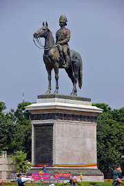 Statue von König Rama V in Bangkok