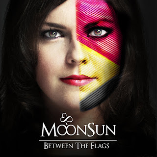"Το single των MoonSun ""Between The Flags"""