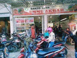 Bakso Lava Ummu Akbar yang beralamat di Jl. Pahlawan Tanjung Morawa dan cabangnya di Jl. Panglima Denai Ujung Simpang 3.