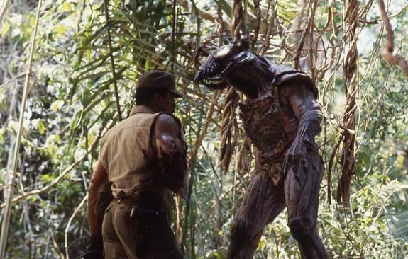 Filmando una escena de Depredador con el diseño de traje original