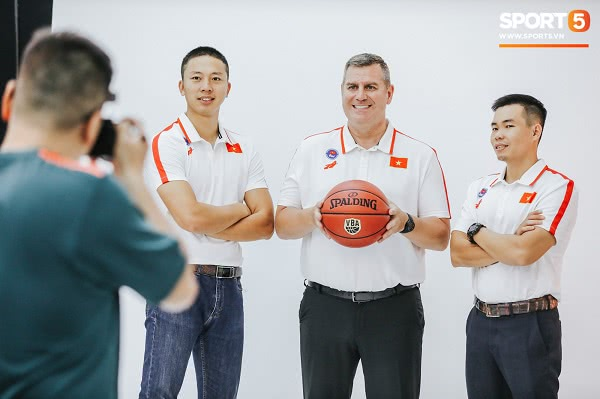 Đồng phục đội tuyển bóng rổ Việt Nam thi đấu SEA Games 30 6