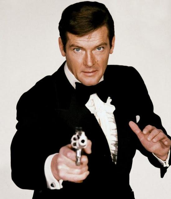 Muere Roger Moore, el actor que fue James Bond en más ocasiones