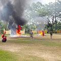Petugas Berjibaku Padamkan Api di Lapangan Eks MTQ Kompleks Perkantoran Pemkab Tebo