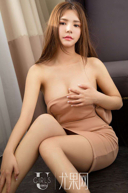 Hot and sexy big boobs photos of beautiful busty asian hottie chick Chinese booty model Meng Shen Mei Mei photo highlights on Pinays Finest sexy nude photo collection site.