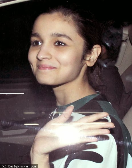 Alia Bhatt & others at Special screening of 'Highway'