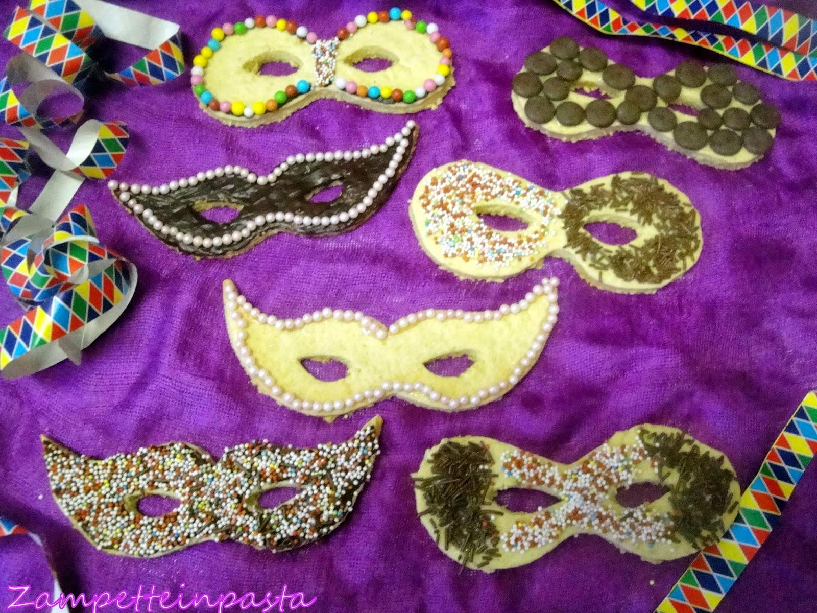 Biscotti a forma di mascherina - Biscotti di Carnevale in forno