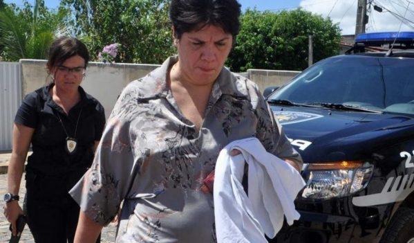 Induto Presidencial liberta Carla Ubarana da prisão em Natal