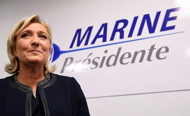 Η Marine Le Pen αποχωρεί προεκλογικά από την προεδρία του Εθνικού Μετώπου