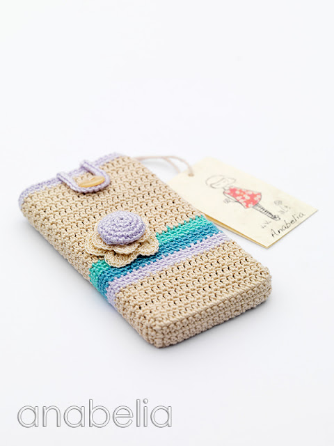 Smart phone crochet case by Anabelia