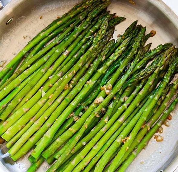 Garlic Butter Sauteed Asparagus #veggies #dinner