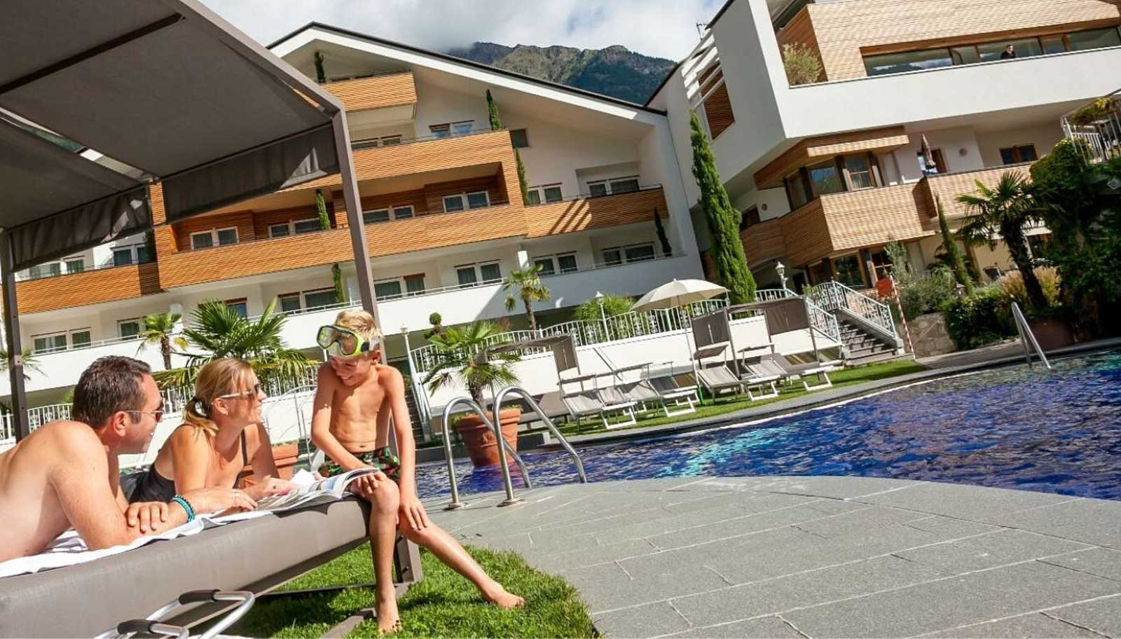 4 Sterne Familien- & Apartment-Hotel Tyrol in Naturns