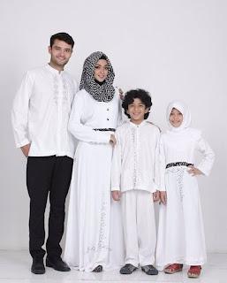 baju pasangan keluarga untuk lebaran
