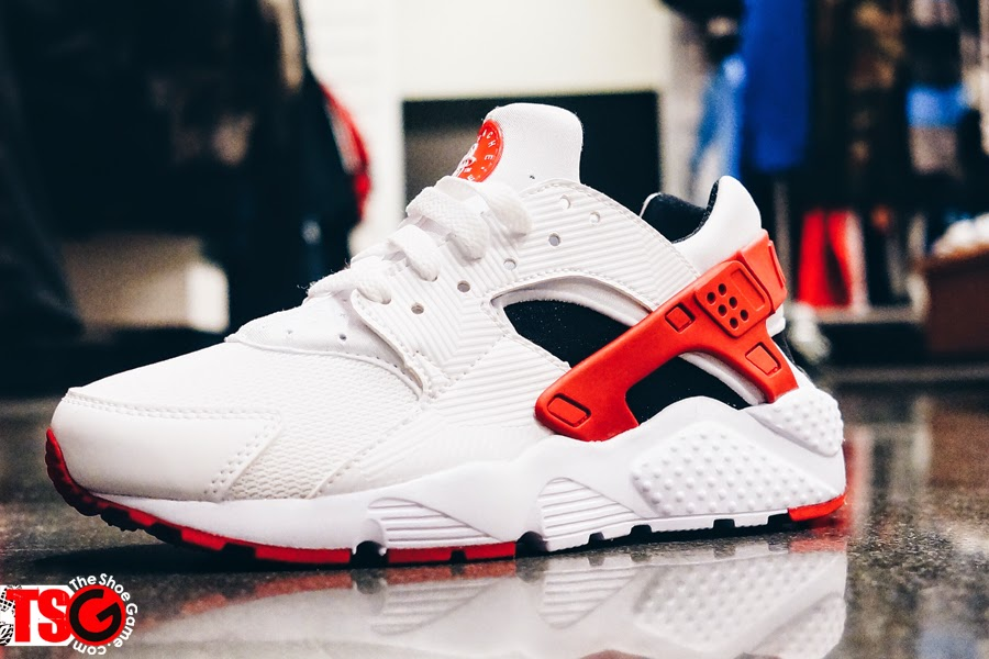 52539eac4fdcc Hakesy The Fat Cat  Shoe Of The Day  Nike Air Huarache White Gym Red ...