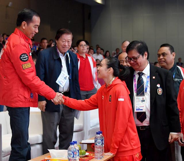 Lindswell Raih Medali Emas, Ditonton Jokowi
