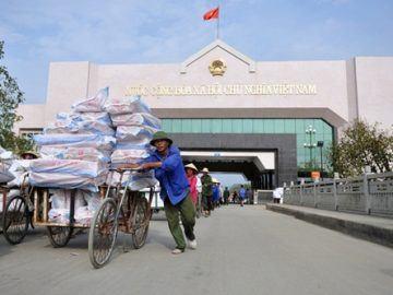 Đã đến lúc Việt Nam bớt lệ thuộc hàng hoá vào Trung Quốc!