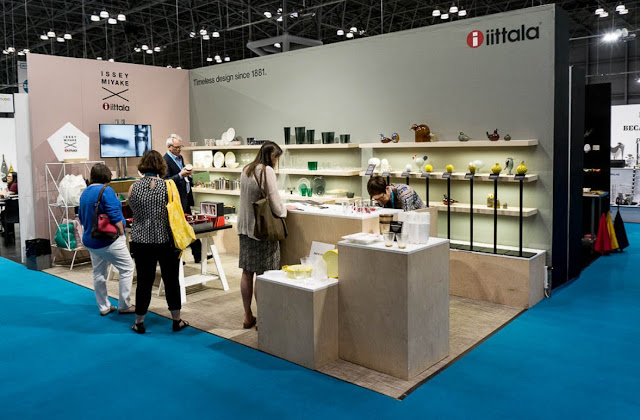 Efficient Shelving Trade Show Booth Ideas