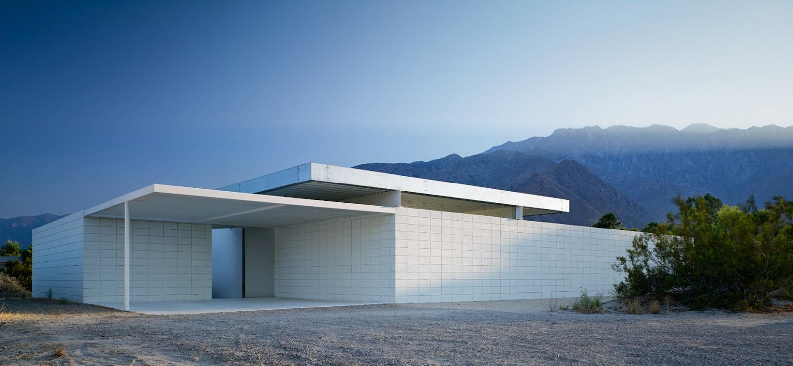 House in the desert modern design by moderndesign org