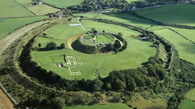 English Heritage urges end to illegal metal detecting at historic sites