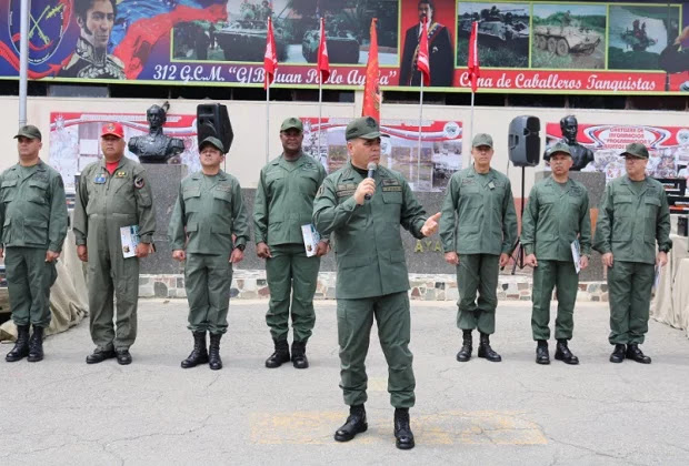 Padrino López: No puede ser bolivariano quien se arrastre ante el imperio