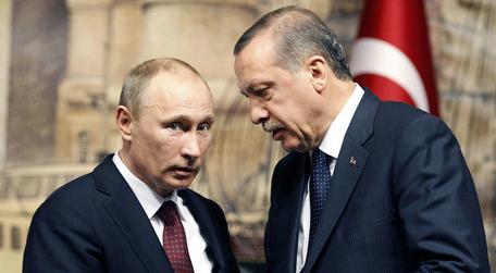 Pilot Turki Jatuhkan Jet Su-24 Milik Rusia