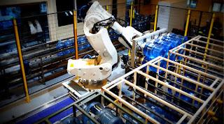 Damacana rack paletleme robotu