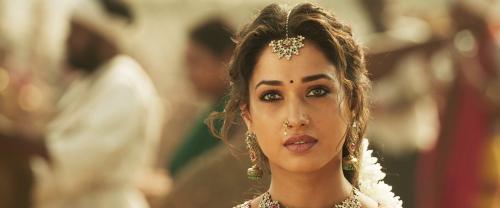 Download Sye Raa Narasimha Reddy (2019) Hindi Dubbed 720p HDRip || MoviesBaba 2