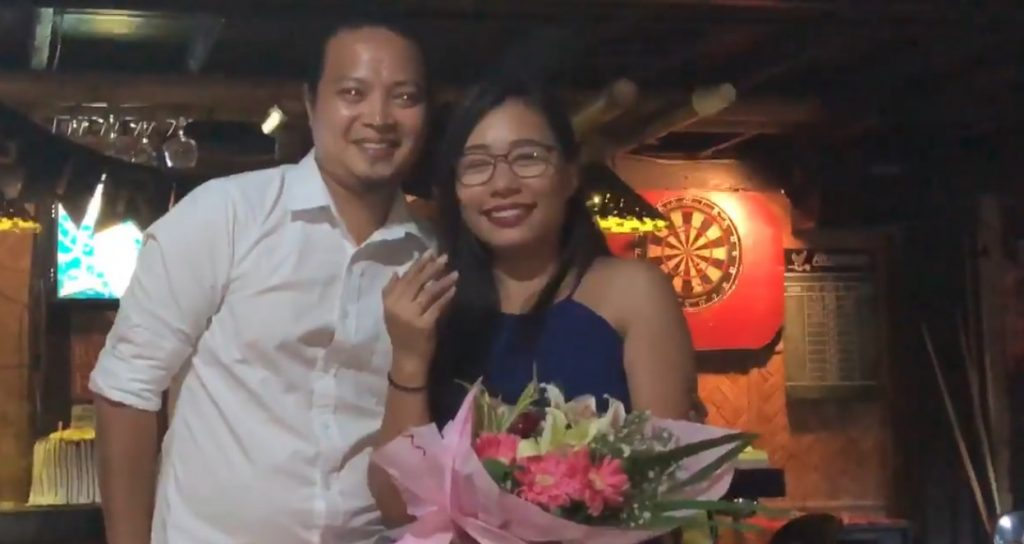 This guy's 'Pinoy Henyo' proposal takes girlfriend by surprise