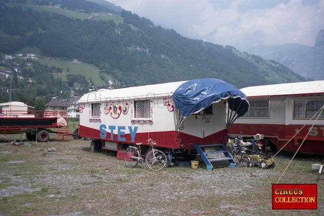 ancienne roulotte d'habitation