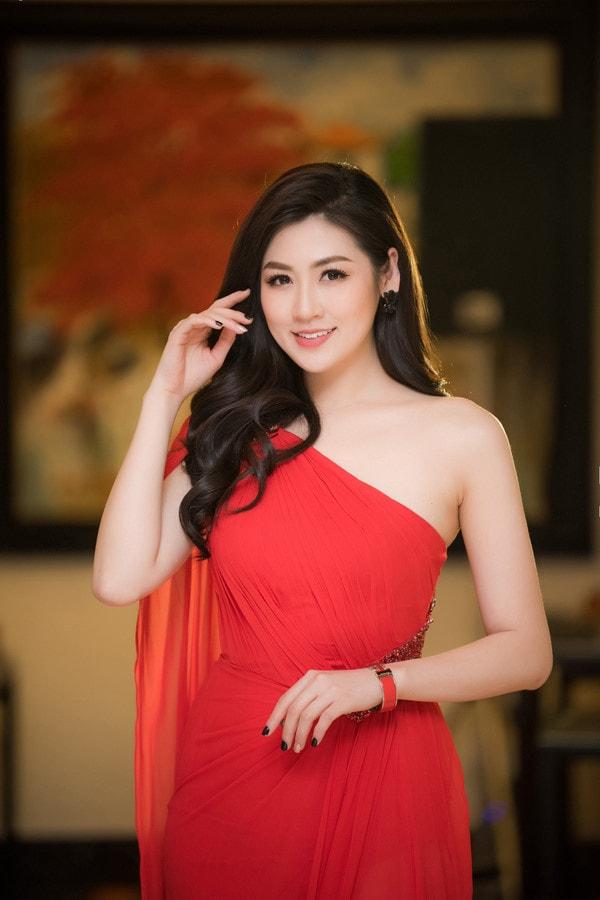 Cách chăm sóc da của các Hoa hậu, Á hậu Việt Nam -3