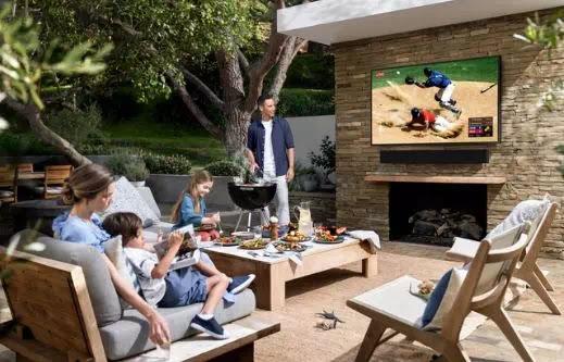 Samsung Luncurkan TV dan Soundbar Terrace yang Tahan Cuaca-1
