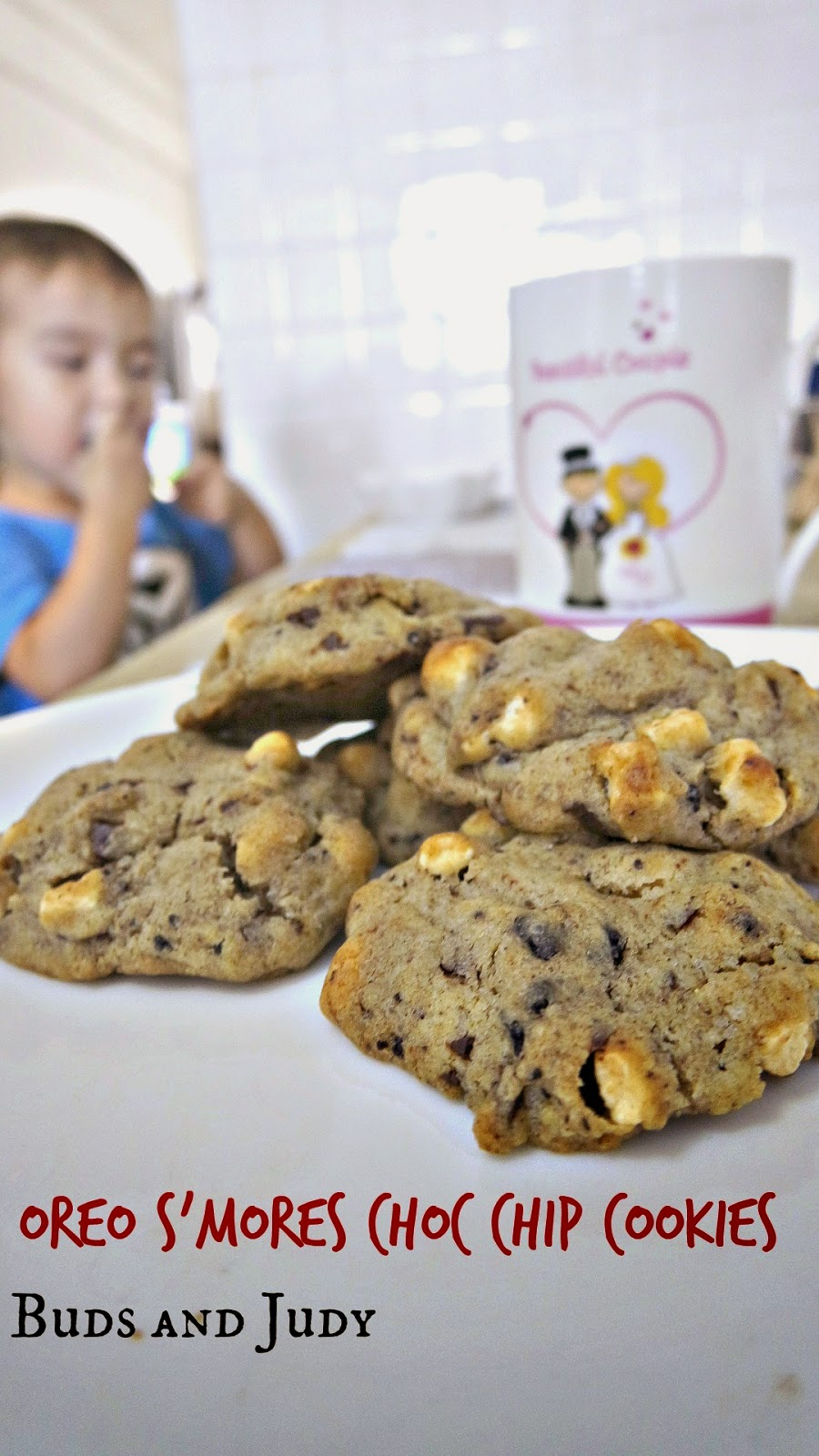 How to make S'mores Cookies. Oreo S'mores Chocolate Chip Cookies.