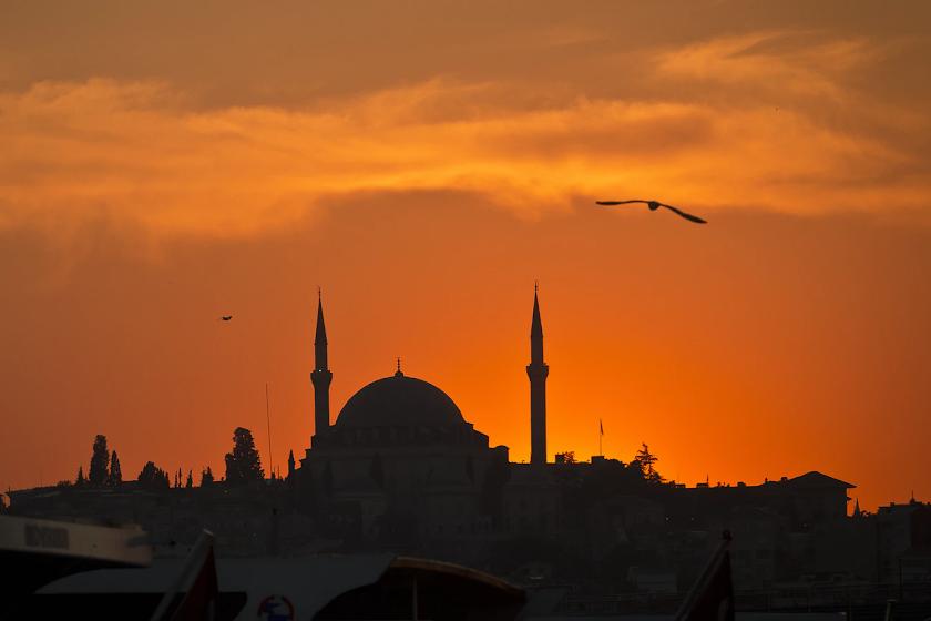 Ciri-Ciri Keluarga yang Bermartabat Dalam Islam