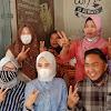 Fikar Didampingi Berryl Dara Sapa Dari Rumah ke Rumah Warga Koto Bento