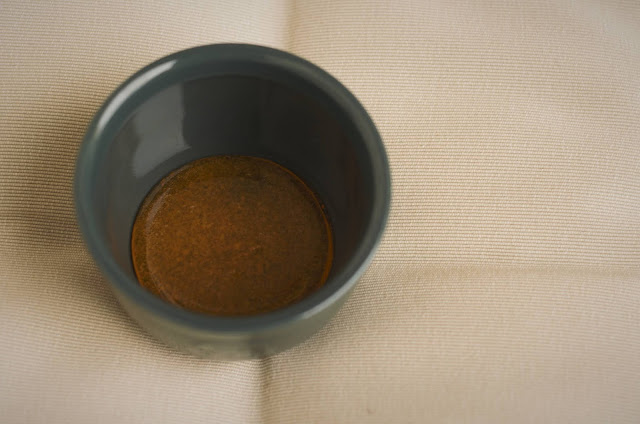Pour the caramelised sugar into ramekins