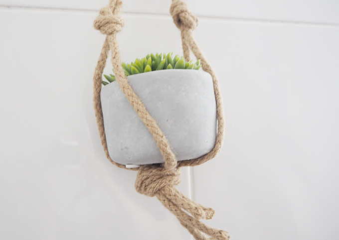 Bathroom Makeover with Sugru How To Make a Hanging Planter close up