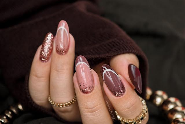 French manicure w brązowej wersji