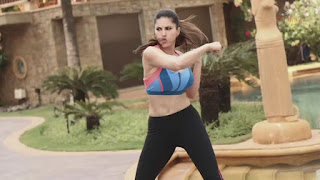 Sunny leone Morning Workouts Stills 4.jpg