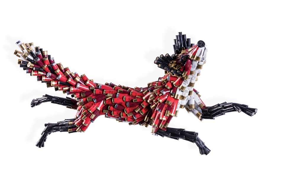 05-Fox-Federico-Uribe-Killing-it-with-Bullet-Animal-Sculptures-www-designstack-co