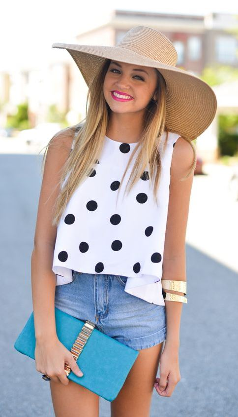 great sumer outfit idea with a hat