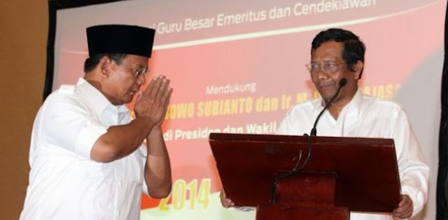 Natalius Pigai: Prabowo, Hati-hatilah Dengan Mahfud MD