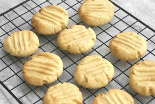 Simple Vanilla Cookies #cookies #baking