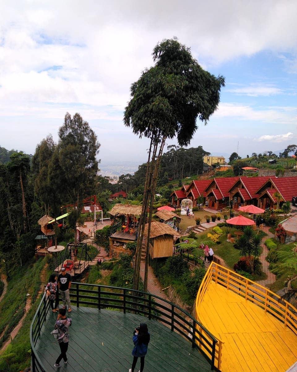 Gardu Pandang Mbah Djoe Resort